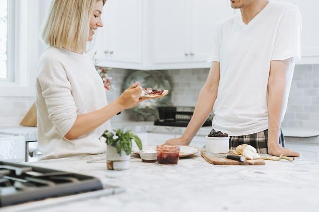 Les 5 conseils pour continuer à bien vivre sous le même toit lorsqu'on est séparés !